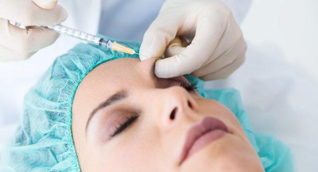 ¿Quién debe reconocer y pagar la incapacidad de una cirugía estética?