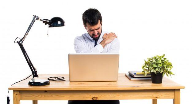 ¿Es válido que el empleador obligue al trabajador a laborar estando incapacitado?