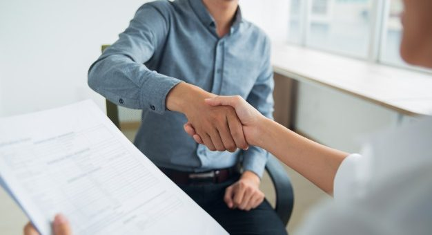 El periodo de prueba de un contrato laboral puede ser superior a dos meses?