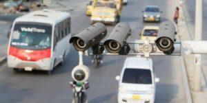 ¿La fotomulta se impone al propietario o al conductor de un vehículo?