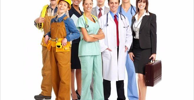 Deben entregar los uniformes al trabajador al iniciar el contrato?