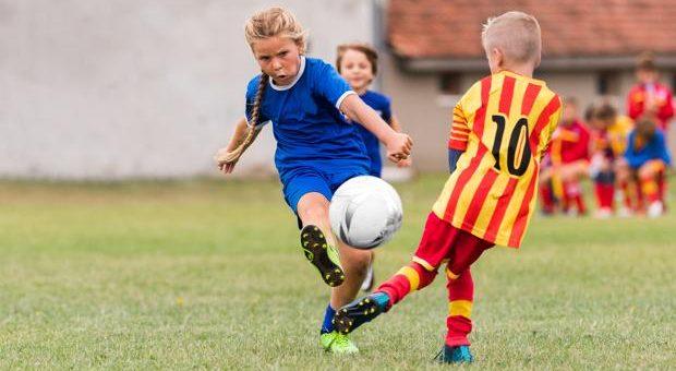 ¿Un equipo de futbol infantil puede rechazar a una jugadora por ser niña?