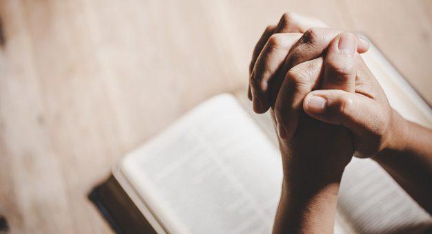 ¿Cuándo podrán reaperturar los servicios religiosos?