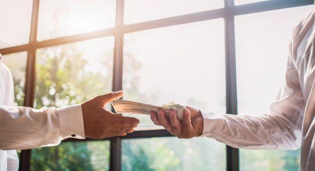 ¿Tengo derecho al pago de primas con el contrato laboral suspendido?