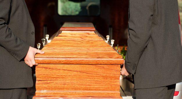 ¿Por qué la SIC sancionó a varias funerarias en pandemia?