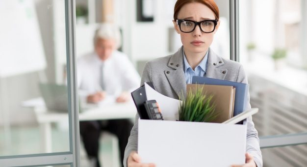 ¿Pueden terminar el contrato laboral sin preaviso durante el periodo de prueba?